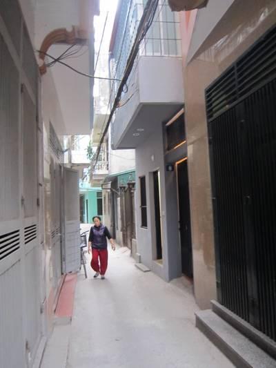 Chính chủ cho thuê phòng khép kín 32m2 khép kín có điều hòa, nóng lạnh tại đê Trần...
