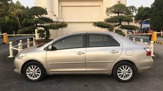 Bán nhanh xe Toyota Vios 1.5E màu vàng cát, sx cuối 2013, chính chủ gia đình từ đầu...