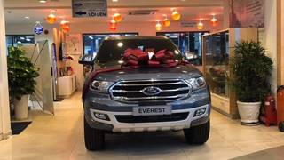 Ford Everest Giảm Giá Cực Sốt