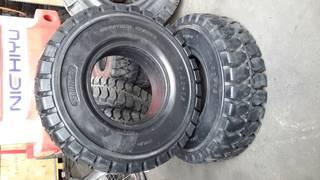 Lốp đặc dùng cho xe nâng SOLITECH