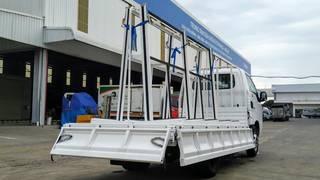 Xe chở kính 2 tấn 4 sẵn hàng giao ngay Quảng Ninh