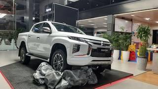 Mitsubishi triton 2020  thiết kế mới,động cơ mới r
