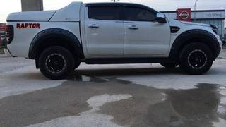 Ford ranger 2016 tự động