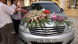 Bán xe nissan teana đời 2010 số tự động màu bạc.