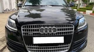 Bán xe audi q7, sản xuất 2006, số tự động, màu đen