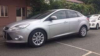 Ford focus 2.0 titanium cao cấp. xe chính hãng bán