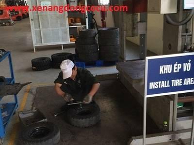 Ép bánh xe nâng, ép vỏ xe nâng, ép lốp các loại, ép lốp xe, ép bánh xe đặc, ép vỏ đặc...giá rẽ 2