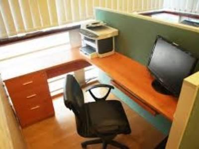 Văn phòng công ty đầy đủ đồ chỉ việc dọn đến và dùng luôn tại Trần Thái Tông - Duy Tân 1