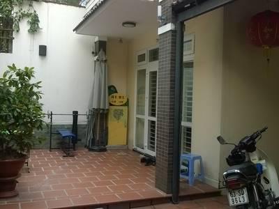 Cho thuê villa biệt thự hẻm 8m Nguyễn Văn Nguyễn, Quận 1: 10m x 18m, 2 lầu, garage 5