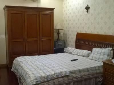 Cho thuê villa biệt thự hẻm 8m Nguyễn Văn Nguyễn, Quận 1: 10m x 18m, 2 lầu, garage 10