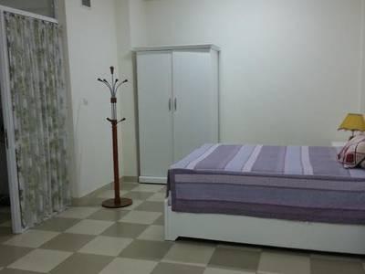 Cho thuê căn hộ đủ đồ phố Văn Cao - Liễu Giai đủ đồ DT 70m2 1PK 1PN 5