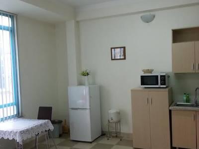 Cho thuê căn hộ đủ đồ phố Văn Cao - Liễu Giai đủ đồ DT 70m2 1PK 1PN 7