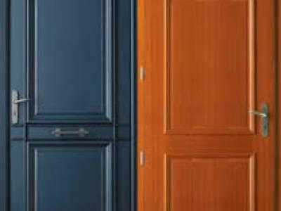 Chuyên sơn mới cửa gỗ ngoài trời bị bong chóc bạc màu tại nhà. 0