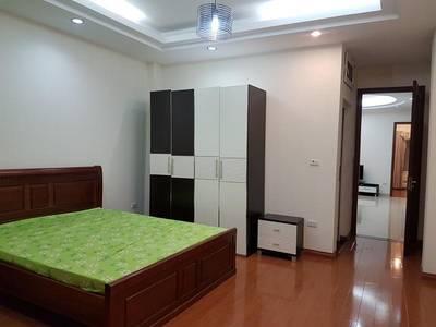 Cho thuê CC đủ đồ phố Cát Linh - Hào Nam 90m2 mới đẹp mặt đường 1
