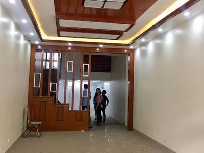 Cho thuê nhà mặt đường Văn Cao 4 tầng cả nhà hoặc tầng 1 làm kinh doanh, spa, nhà hàng, VP 0