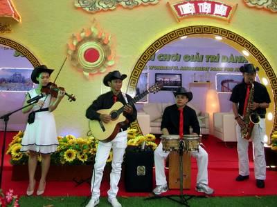 Cho Thuê Ban Nhạc Chuyên Nghiệp Uy Tín Nhất Sài gòn- Flamenco Tumbadora Band 8