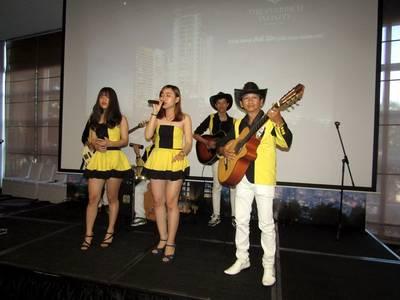 Cho Thuê Ban Nhạc Chuyên Nghiệp Uy Tín Nhất Sài gòn- Flamenco Tumbadora Band 9