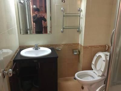 Cho thuê căn hộ đủ đồ DT 45m2 1PK 1PN Phố Thái Thịnh giá 7tr 5