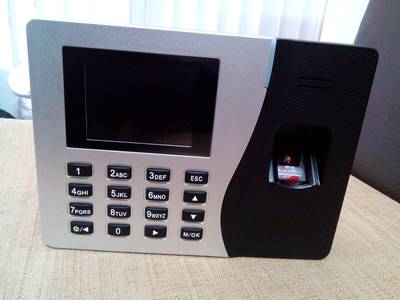 Lắp đặt máy chấm công vân tay/ thẻ tại TPHCM giá chỉ từ 2tr3 0