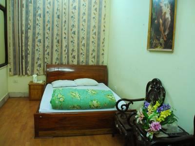 Đặt phòng Khách sạn giá rẻ 250k/nđ tại khách sạn Thịnh An 169 phố Đặng Tiến Đông, Đống Đa, Hà Nội 1