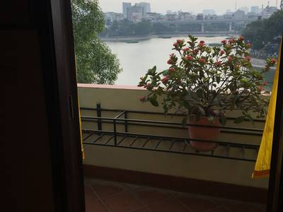 Cho thuê Nhà kinh doanh cafe,nhà hàng đẹp Phố Mai Anh Tuấn,Hoàng Cầu 90m2 x 5 tầng 10