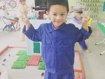 Trang phục hóa trang các ngành nghề cho bé. 5