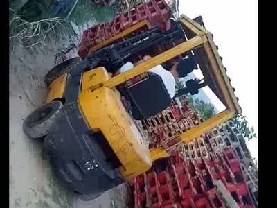Thanh lý xe nâng động cơ chạy dầu diesel TCM 1.5/30 Nhật 4