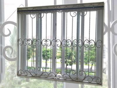 Cửa sổ sắt mỹ thuật, cửa sổ sắt bảo vệ 16