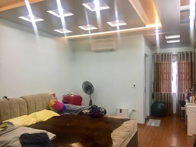 Bán nhà ngõ 193 Văn Cao 4 tầng mới đủ nội thất tiện nghi đường rộng 30m2 có vỉa hè 1