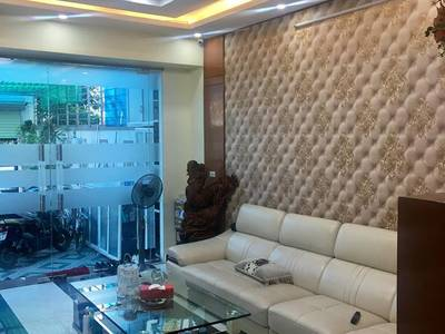 Bán nhà ngõ 193 Văn Cao 4 tầng mới đủ nội thất tiện nghi đường rộng 30m2 có vỉa hè 9