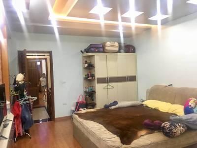 Bán Nhà ngõ 193 Văn Cao mới xây đẹp 4,5 tầng full nội thất 4 phòng ngủ khép kín 8