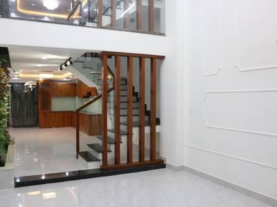 Bán nhà mới, vị trí đẹp, nội thất cao cấp nhập khẩu, Dương Quảng Hàm 3