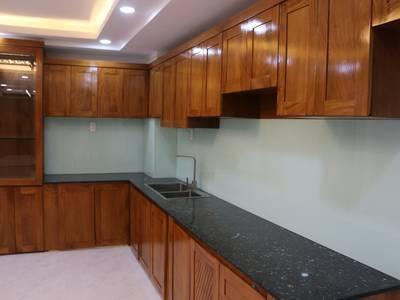 Bán nhà mới, vị trí đẹp, nội thất cao cấp nhập khẩu, Dương Quảng Hàm 6