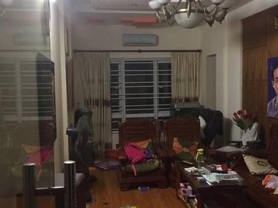 Bán nhà ngõ 165 phố Dương Quảng Hàm 45m2 x 5T còn mới và xây đẹp 0
