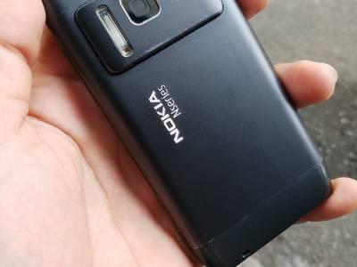 Điện thoại nokia N8 nguyên bản 1