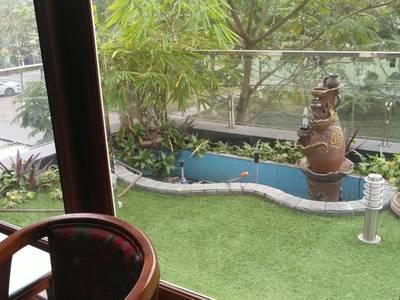 Cho thuê nhà khu HUD mặt vườn hoa 6 phòng ngủ 7