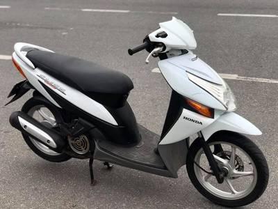 Bán Honda Click màu xanh trắng, Chính chũ. Giá 11tr5 0