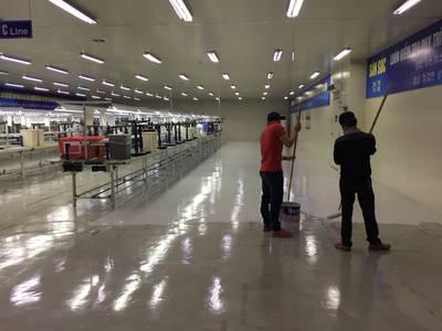 Phủ bóng sàn vinyl chất lượng tại Hưng Yên 6