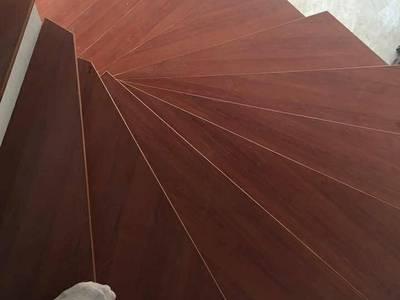 Cầu thang gỗ công nghiệp 5