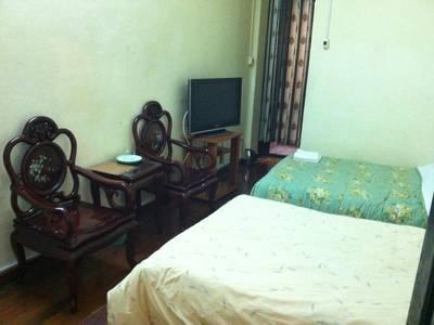 Hotel Thinh An 169 phố Đặng Tiến Đông, HN, ngày đêm chỉ từ 250k, giá nghỉ giờ chỉ 100K, 4