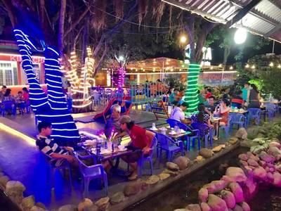 Cho thuê mặt bằng quán ăn biệt thự sân vườn  2,000m2 1
