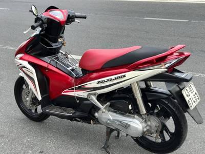 Bán Honda Ab Fi 2011,Phiên bản trắng đỏ.Chính chũ 18 triệu 7