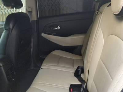 Bán xe Kia Rondo 7 chỗ, 2.0 AT đời 2016, nhà ít đi 4