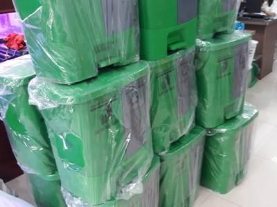 Bán thùng rác 2 ngăn dùng phân loại rác thải tại nguồn 0