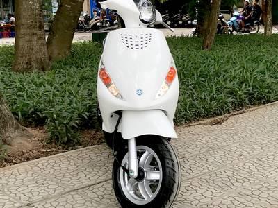 Piaggio zip 100 màu trắng vừa mua đi 200km