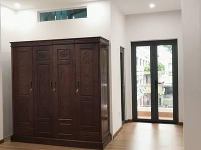 Cần cho thuê 2 phòng ở lầu 1 và 2 đường Thành Thái, quận 10, giá tốt. 3