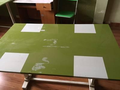 Cần bán lại bàn ghế dùng trong nhà hoặc nhà bếp giá rẻ 1 triệu VNĐ /1 bộ 0
