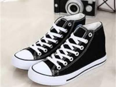Cách chọn giày thể thao nữ theo màu sắc 1