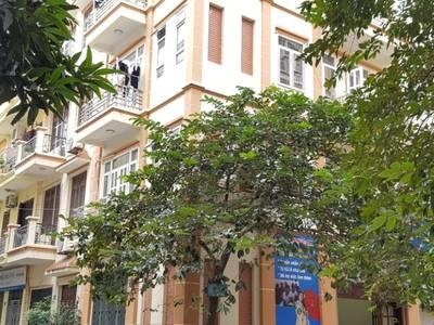 Cho thuê nhà khu phân lô Nguyễn Khánh Toàn DT 80m2,5 tầng, căn góc 2 mặt tiền 0