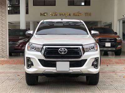 Toyota Hilux 2.8G 2019 chạy lướt biển 29C-VIP 0